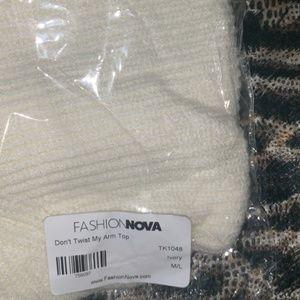 Fashion Nova ''Don't Twist My Arm Top - Ivory''
